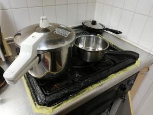 料理づくりを劇的にスピードアップ~圧力鍋と化学反応~