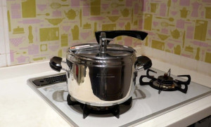 料理づくりを劇的にスピードアップ ~圧力鍋と化学反応~